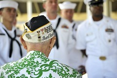 Sterling Cale, a Pearl Harbor survivor, speaks to Sailors as part of a heritage event at the Pearl Harbor Visitor Center. (U.S. Navy/Seaman Johans Chavarro)