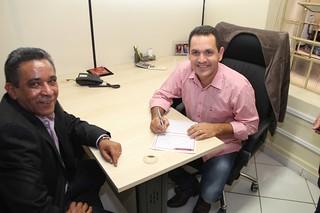 Vereador Rodrigo Buchechinha assina sua filiação ao Solidariedade