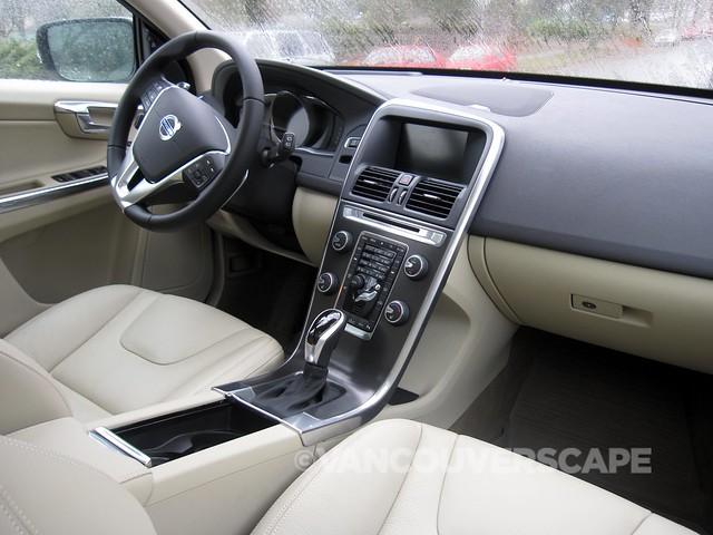 Volvo XC60-2