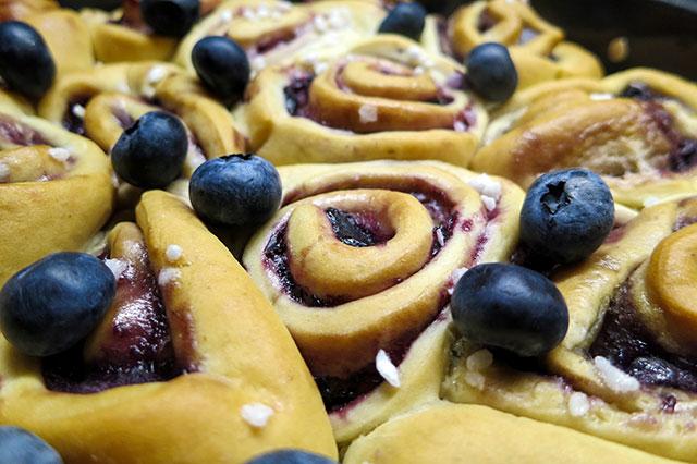 vegane Blaubeerschnecken mit Pudding