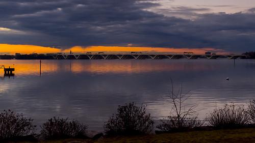 bridge sunset sunlight river fuji maryland fujifilm potomacriver scitech woodrowwilsonbridge aiaa nationalharbor gaylordresortandconventioncenter x100s