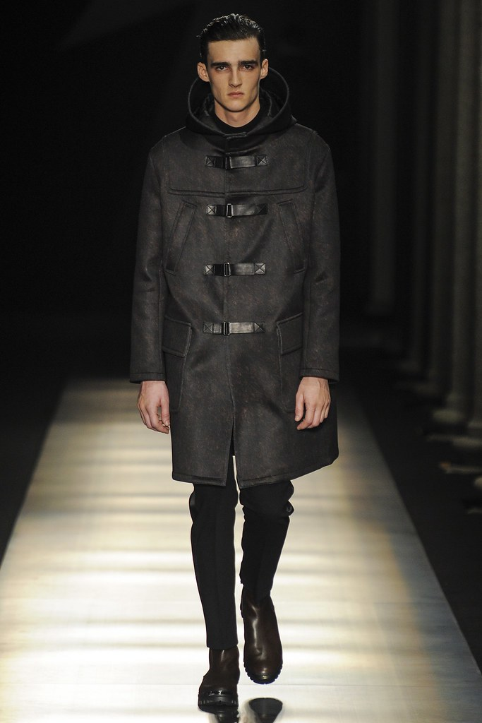 FW14 Milan Neil Barrett040_Elliot Vulliod(VOGUE)