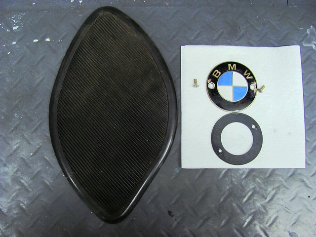 Knee Pad, Enamel Badge, Gasket and Screws