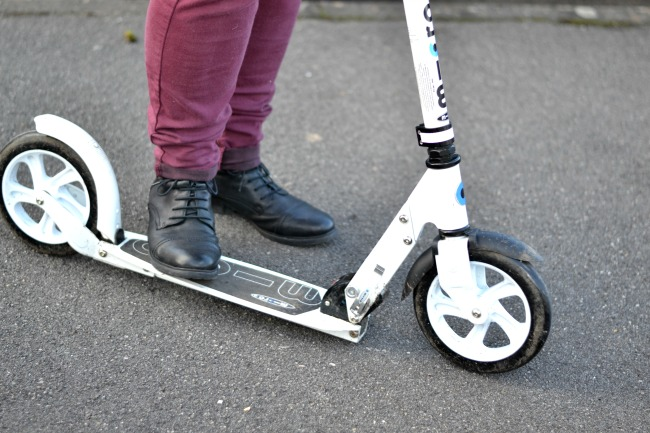 Micro_scooter_for_adults