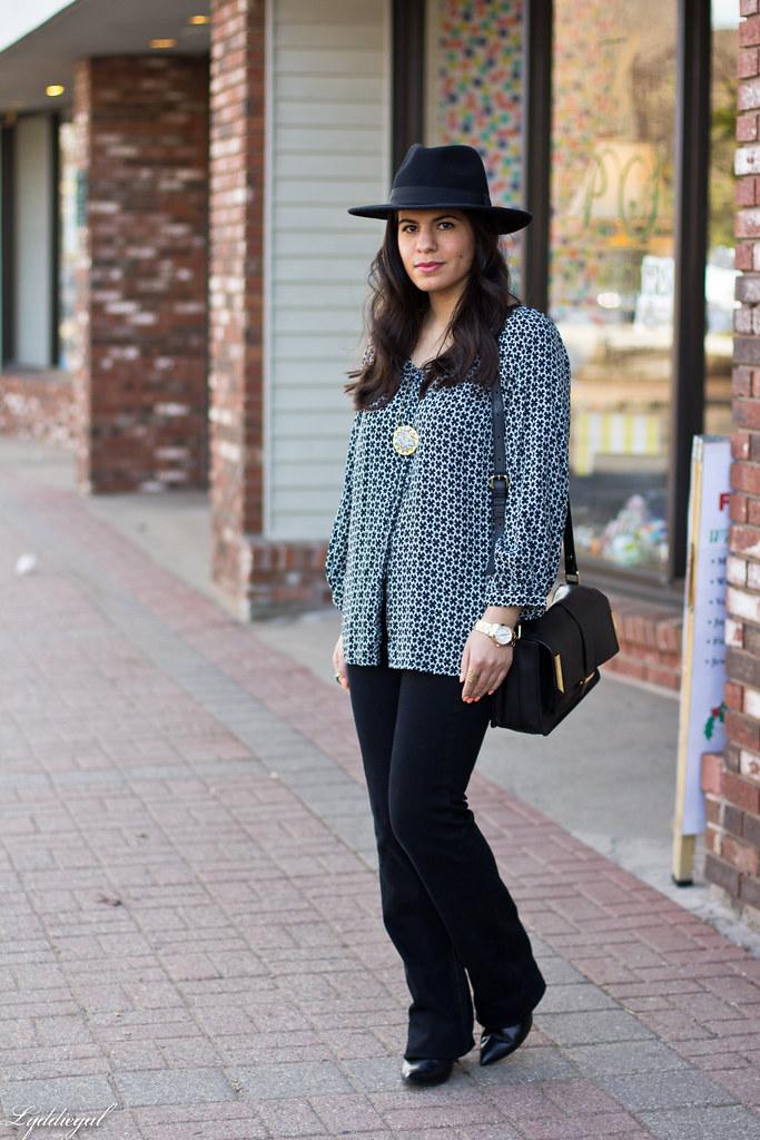 printed blouse, jeans, fedora-1.jpg