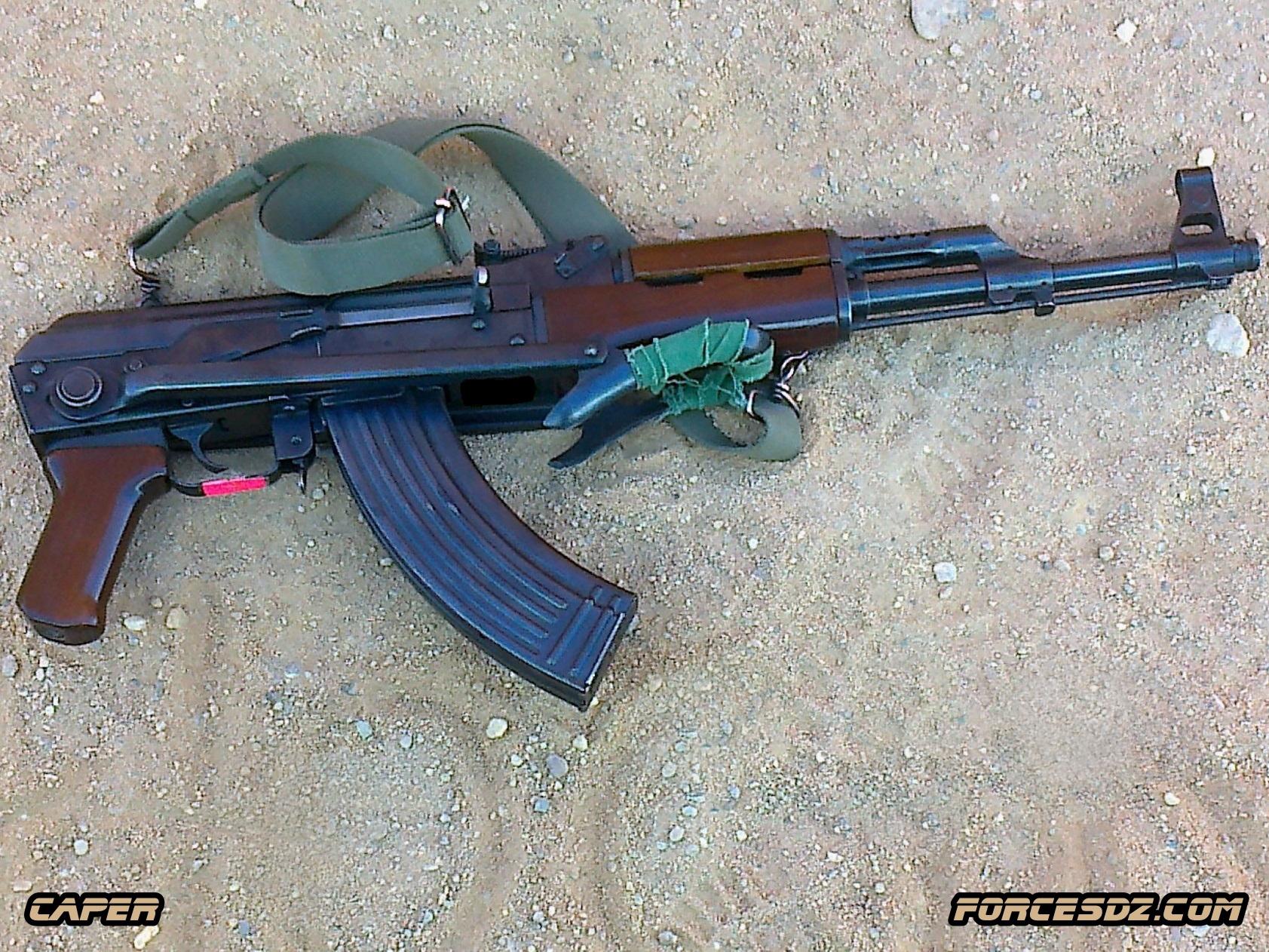 الصناعة العسكرية الجزائرية  [ AKM / Kalashnikov ]  33188423880_ce9bd5005f_o