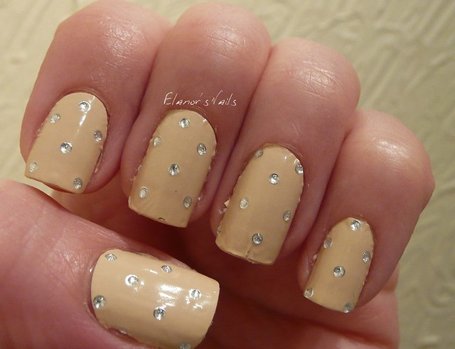 elegant touch wraps dotty nude