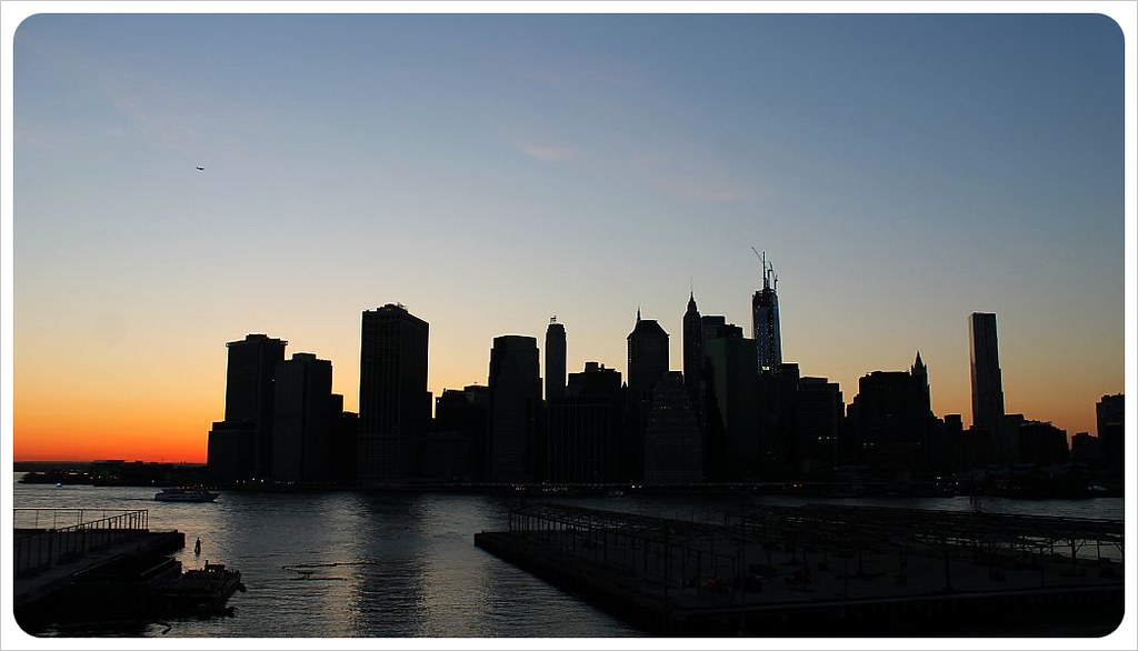 new york manhattan skyline at sunset