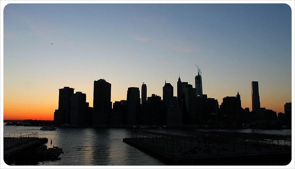 new york manhattan skyline at sunset