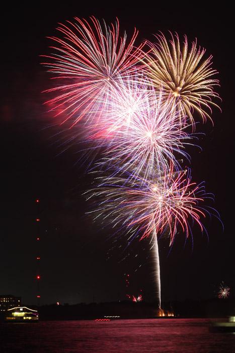 web_fireworks_0131