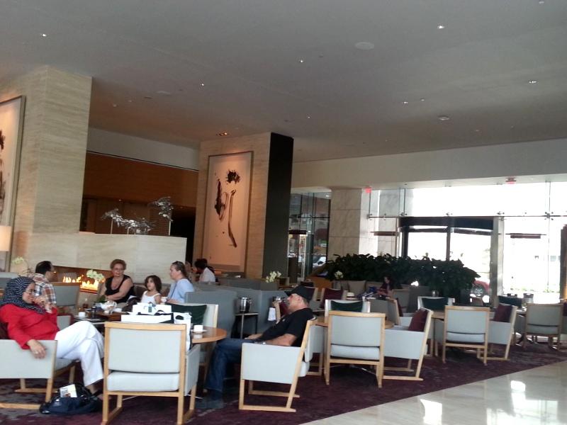 Shangri-La Toronto lobby