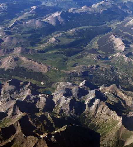 mountains west green flying colorado view aviation flight aerial windowseat windowshot thewest southwesterncolorado laxiad anthropocene 20130625 sydakllaxiadewr 2013062526 laxewr
