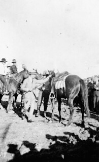 The Prince of Wales preparing to mount a horse in Saskatoon, Saskatchewan, September 1919 / Le prince de Galles se préparant à monter à cheval, à Saskatoon, en Saskatchewan, septembre 1919