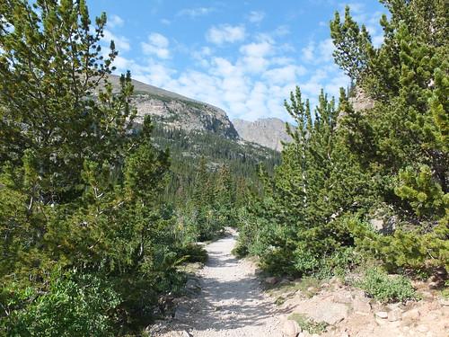 hiking Mills Lake
