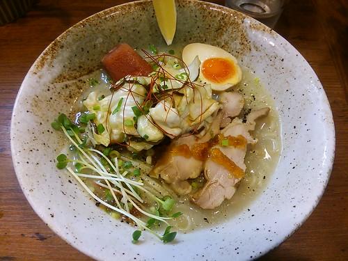 ra130826びぎ屋 たっぷり嬬恋キャベツの涼麺 ランチカレー