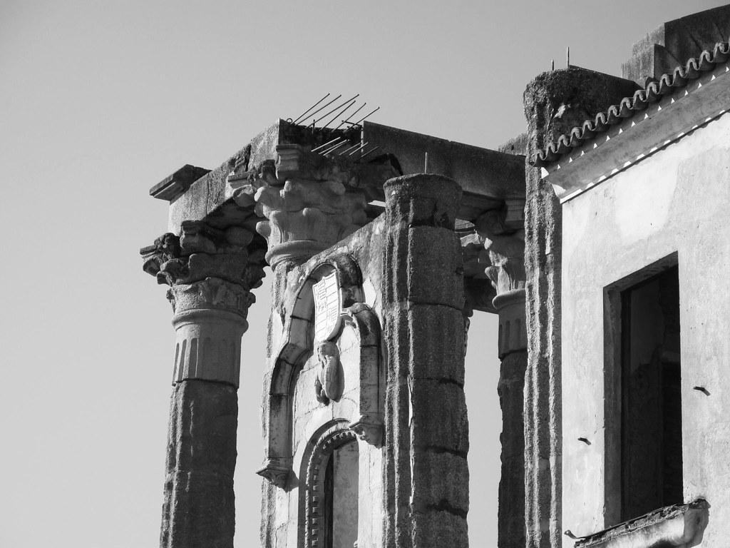 Templo de Diana_restauración_Hernández Gil