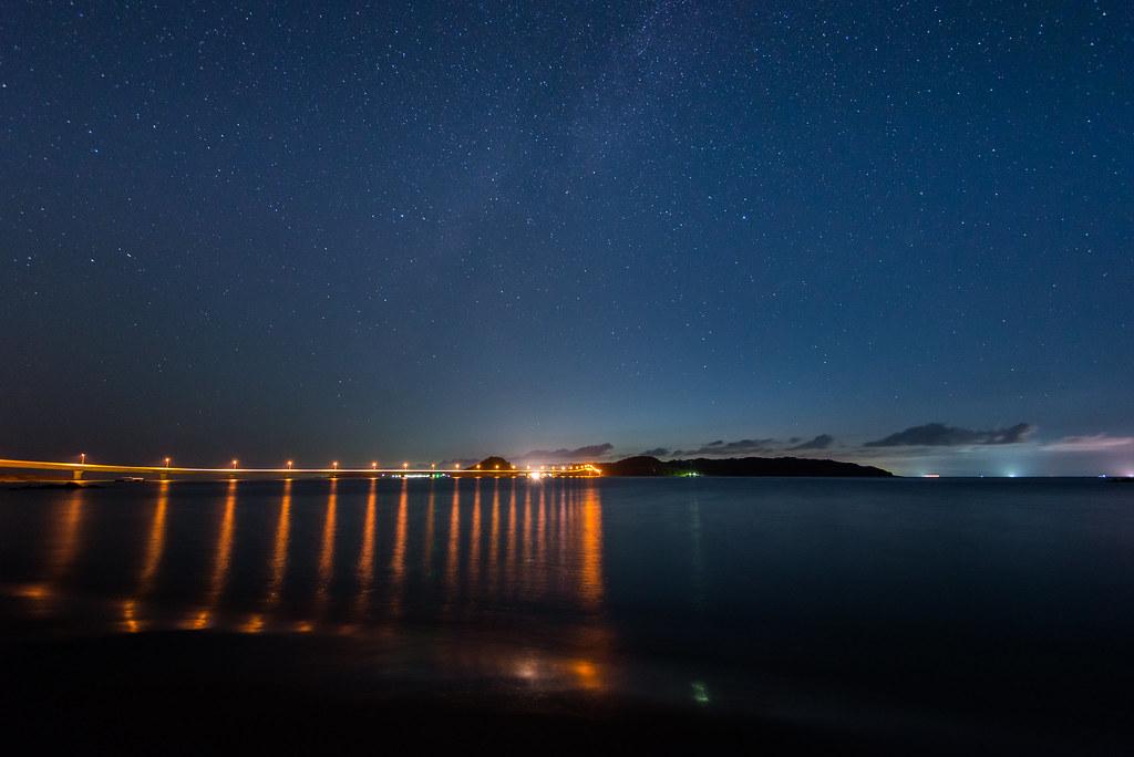 ライトアップされる角島大橋
