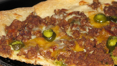 Chili, jalapeno, and cheddar pizza by Coyoty