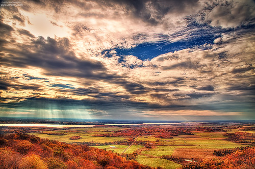 autumn light red colour fall weather clouds day cloudy landsape thephotographyblog