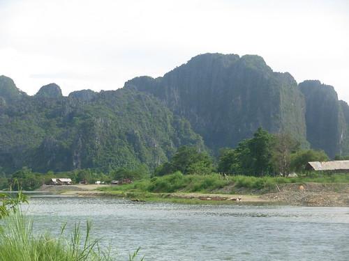 Vang Vieng-Ville-Rivière (1)