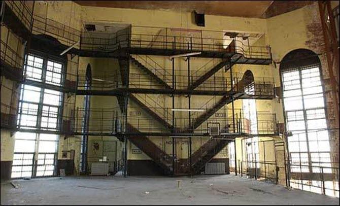 charles street jail 2