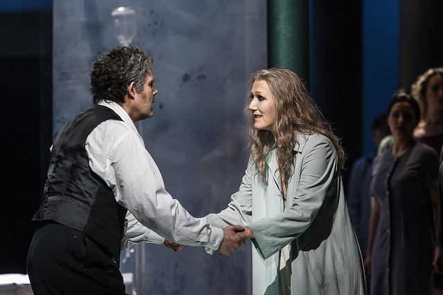 Gerald Finley as Amfortas and Angela Denoke as Kundry in Parsifal © ROH / Clive Barda 2013