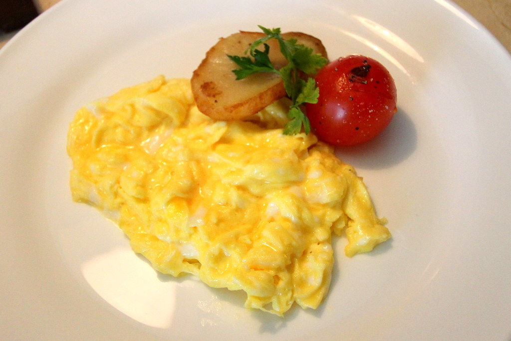 Grand Hyatt Singapore: Club Lounge's scrambled egg