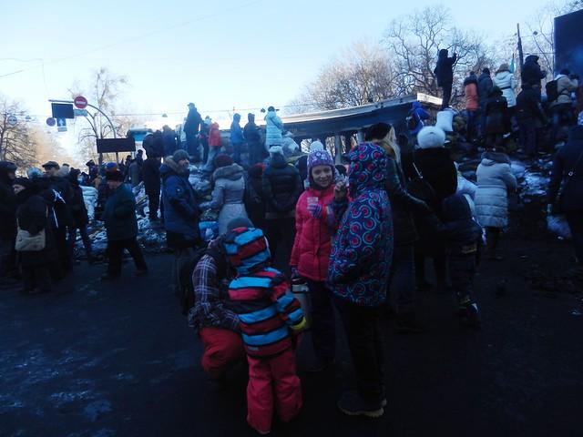 Майдан - и место помощи и место туризма