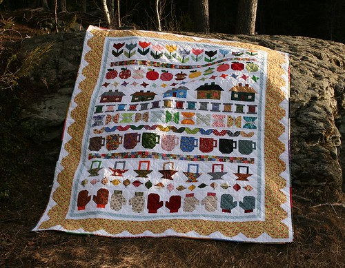 Row Along Quilt designed by Lori Holt
