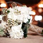 Bouquet-on-burlap(2)_12757290045_l