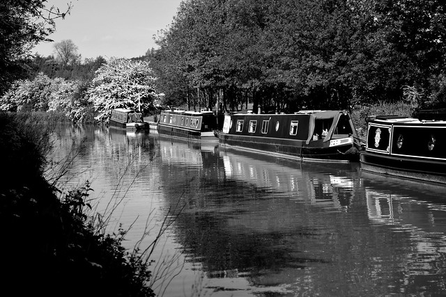 20140517-03_b+w_Narrow Boats_Grand Union