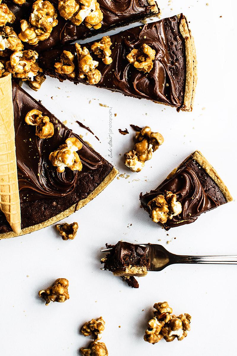 Tarta brownie con palomitas de caramelotarta-brownie-2