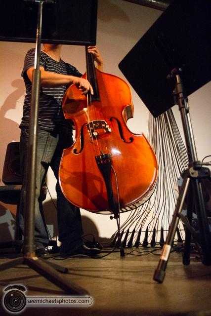 Jeff Parker Trio at Space 4 Art 51413 © Michael Klayman-005