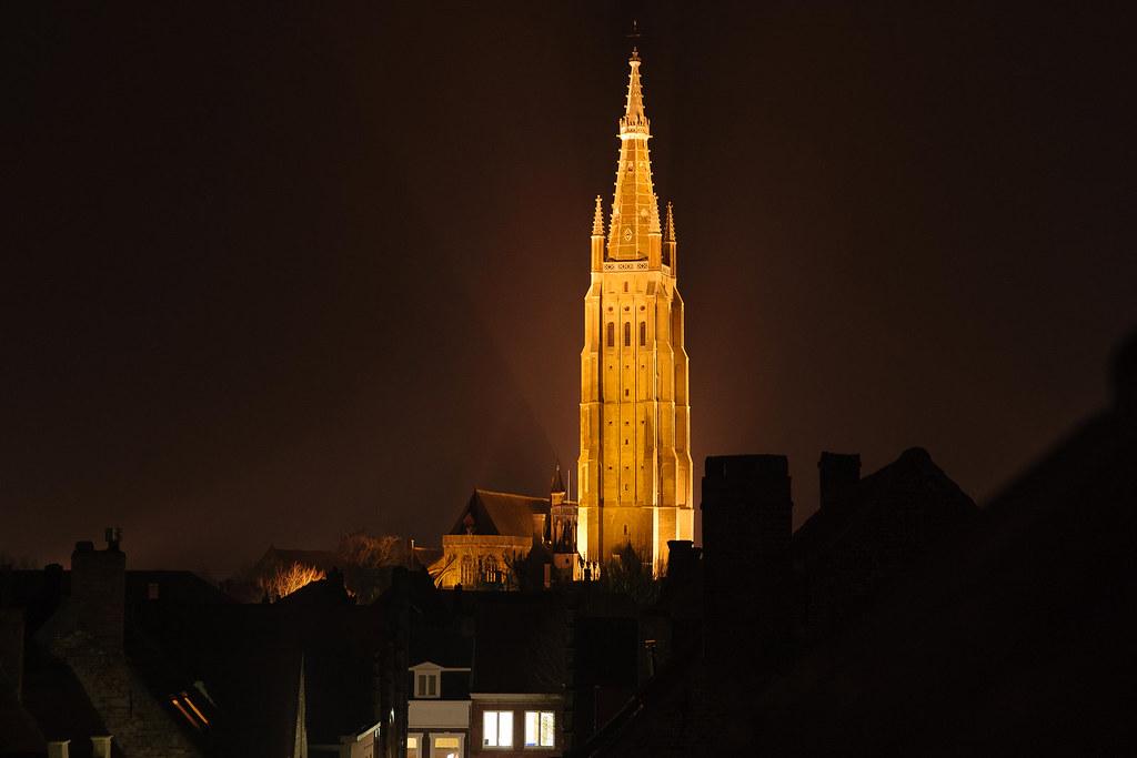 כנסיית גבירתנו בלילה