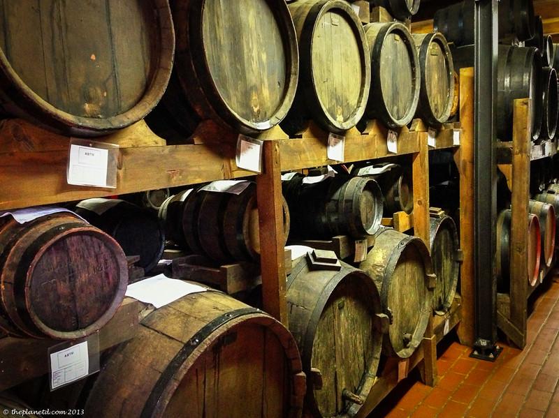balsamic vinegar aging