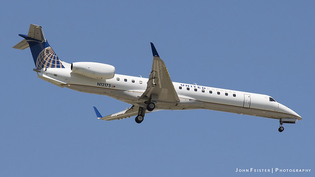 United Express N12175 - Indianapolis International Airport