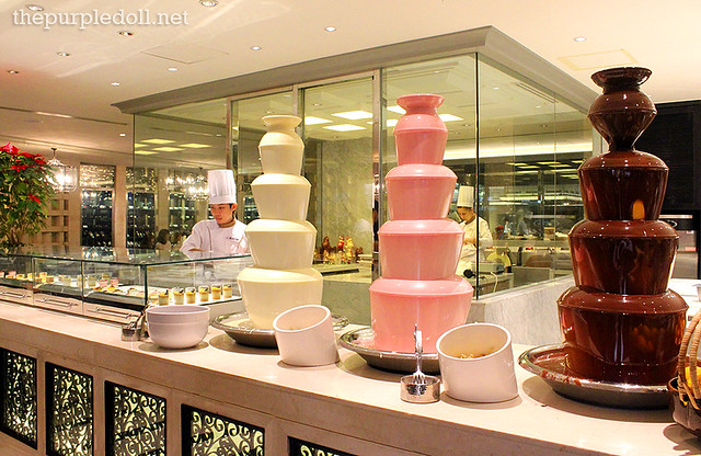 Chocolate Fondue Strawberry White Chocolate and Dark Chocolate at Spiral Sofitel