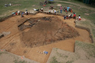 Excavating a Spanish house at the Berry site, 2008