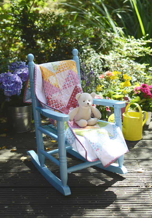 Merry Mosaic Zig Zag Baby Quilt