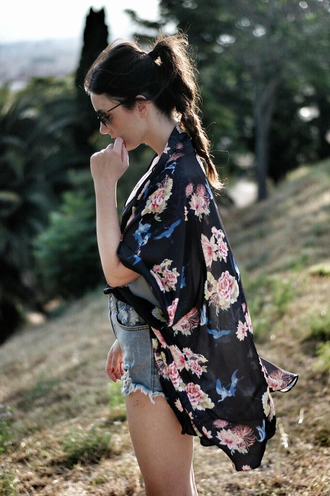 4f357778e kimono LOVE, shorts CHOIES, necklace LES JUMELLES, wedges ZARA