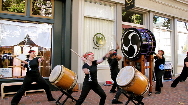 Emeryvill Taiko on the streets of Old Oakland