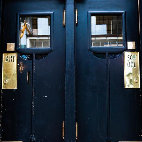 Entrance School of Arts; copyright 2013: Georg Berg