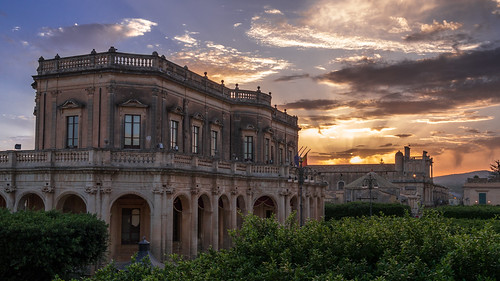light sunset sky italy sun architecture clouds outside italia tramonto nuvole cloudy outdoor explorer noto palace unesco panasonic g5 explore ciel cielo nubes palais sicily baroque nuages 旅游 palazzo extérieur 日落 italie sicilia barocco 天空 worldheritage palacio lightroom 意大利 coucherdusoleil 艺术 sicile 美丽 摄影 架构 lapuestadelsol 探索