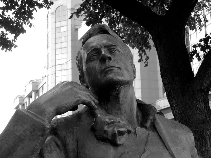 Шаляпин (Monument to Feodor Chaliapin), b&w ver.2