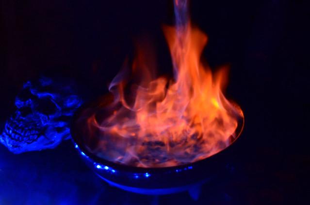 Carabera junto al fuego en el Conxuro Da Queimada
