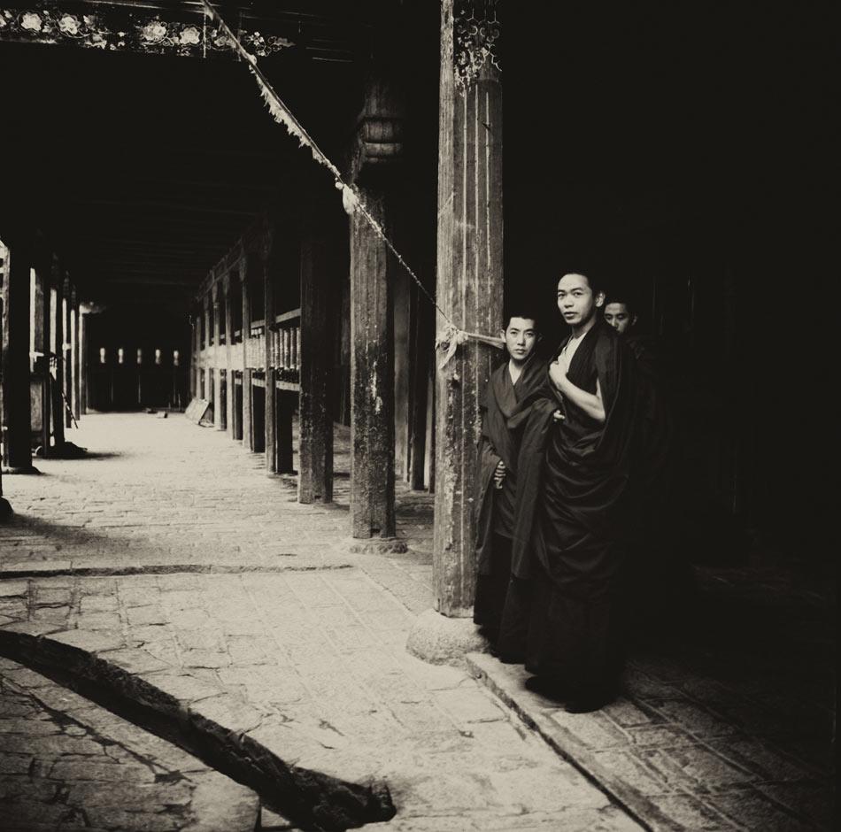 Монахи-монастыря-Самье