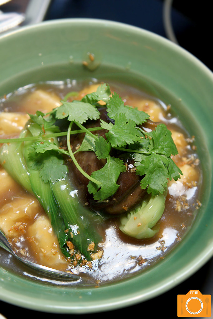 Coca Braised Tofu with Taiwan Bokchoy in a Clay Pot