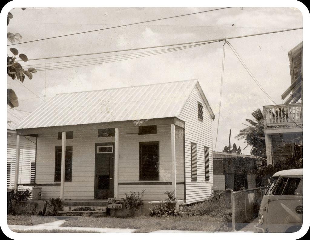 415 frances street key west florida a classic bahamian for Classic house keys samplephonics