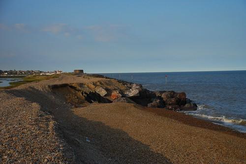 北方是Aldeburgh,在海防末端的礫灘正逐漸被侵蝕