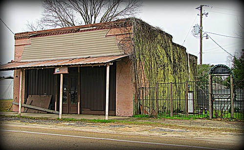 abandoned mississippi gate decay generalstore hdr smalltown beaumont bypassed